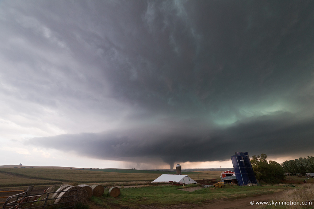 How to forecast tornadoes: Search for boundaries and gradients