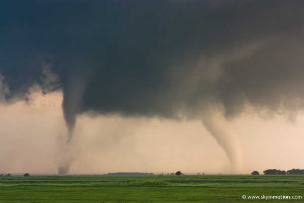 Twin tornadoes near Cherokee, Oklahoma on April 14, 2012. (Brett Roberts via Flickr)