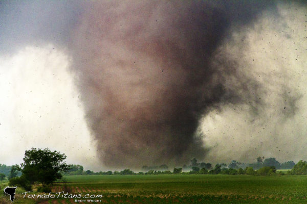 Shawnee, OK violent tornado of May 20, 2013. Brett Wright/Tornado Titans via Flickr)