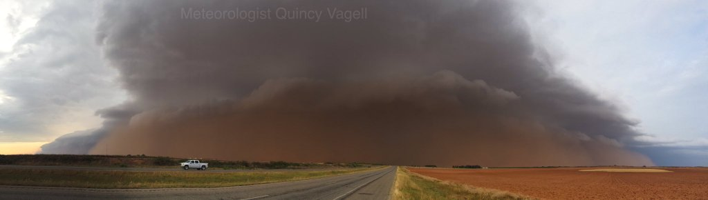 A haboob south of Lubbock, Texas. (Quincy Vagell)