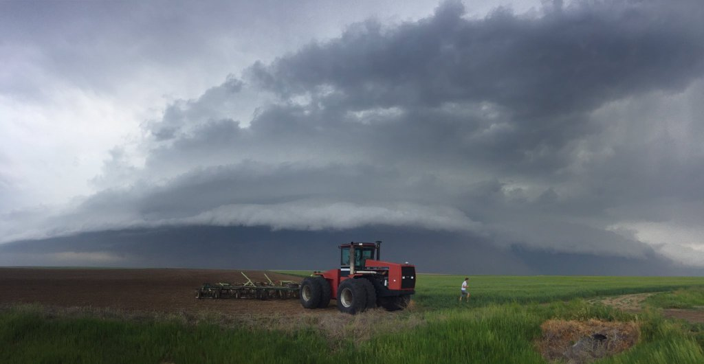 Stacked plate shelf cloud near the Colorado/Kansas border.